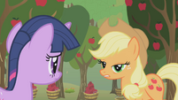 "Applejack ""just here for the Apple family reunion"" S1E04"