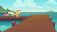 Applejack returns to the Seaward Shoals docks S6E22