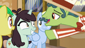 """Barker pony """"you've never seen anything like it"""" S6E20.png"""