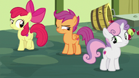 Cutie Mark Crusaders glance at each other S8E12