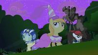 Foals in the wind S2E04