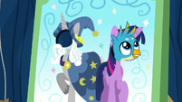 Gallus in Twilight Sparkle face cutout S9E3