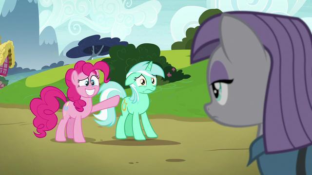 File:Pinkie grins nervously; Lyra stands still S7E4.png