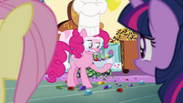 Pinkie making some rock candy S4E18