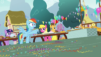 Rainbow Dash calling out to Pinkie Pie S7E23