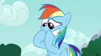 Rainbow holding in her excitement S6E15