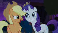 Rarity grinning wide at Applejack S5E16