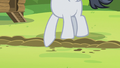 Rumble about to cross the camp-dividing line S7E21.png