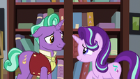 Starlight and Firelight smile at each other S8E8