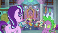 Starlight and Spike watch students disperse S8E15