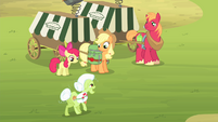 The Apples see Granny Smith S4E17