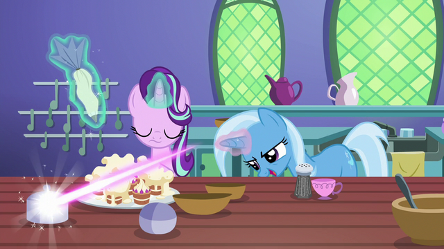 File:Trixie turns silver tray cover into a teacup S7E2.png