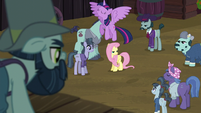 Twilight Sparkle flying up S5E23