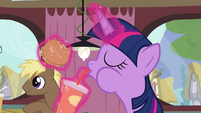 Twilight drinking beverage S4E15