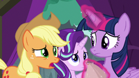 "Applejack ""our lead actress is a disaster!"" S8E7"