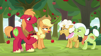 Applejack giving an unamused laugh S9E10