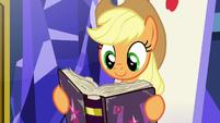 Applejack reading the friendship journal S7E14