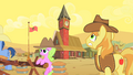 Braeburn looks at time S01E21.png