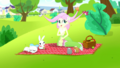 Fluttershy's birds pick up strands of her hair SS14.png