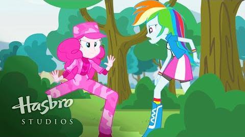 Мой маленький пони Девушки Эквестрии - Пинки шпионит