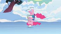 710px-Pinkie Pie skating2 S1E11