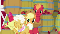 Apple Bloom hugging Goldie goodbye S9E10