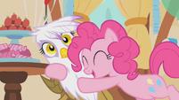 Pinkie Pie hugging Gilda S1E05
