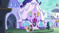 Ponet and Golden Harvest walking past the Canterlot Carousel S5E15.png