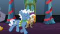 Ponies 'Ding-dong, ding-dong-ding' S6E8.png