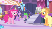 Rainbow 'and decorations in the town square!' S4E13