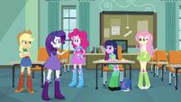 Rarity ''eu recebo um e-mail da Pinkie Pie'' EG