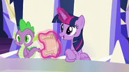 S05E19 Twilight czyta list