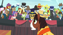 Spectator ponies turn on Trouble Shoes S5E6