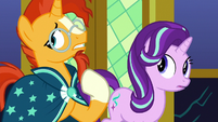 Sunburst stroking his beard S7E25