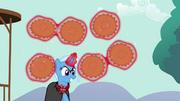Trixie levitando tortas T03E05