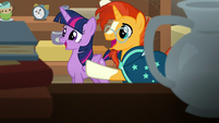 Twilight and Sunburst see something interesting S7E24