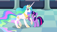 Twilight helps up Celestia S02E26