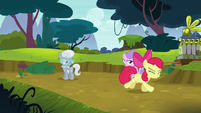 Apple Bloom running away in shame S5E4