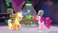 "Applejack ""don't think that's what's happening"" S7E23"