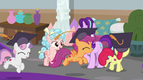 CMC run around Starlight and Cozy with joy S8E12