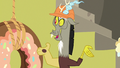 "Discord ""well done, everybody"" S7E12.png"