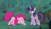 Pinkie Pie imitating a buzzer S8E13