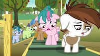 Pipsqueak and foals groaning with disappointment S7E21