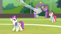 Pizzelle zooms higher into the air S9E15