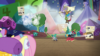Ponies watch Discord, Spike, and Big Mac play S6E17
