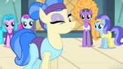 Sapphire winking at Rarity S4E19
