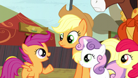 Scootaloo defending Trouble Shoes S5E6