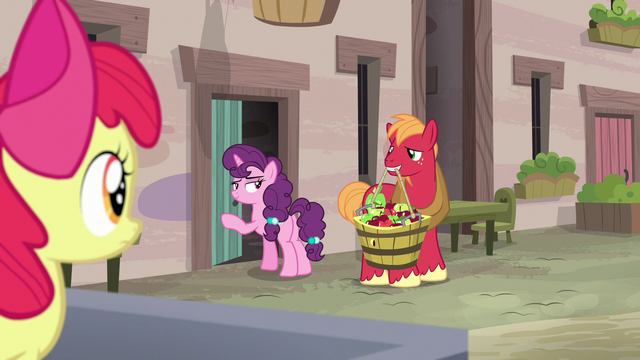 File:Sugar Belle inviting Big Mac into her house S7E8.png