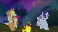 Sweetie Belle, Apple Bloom, Rarity and Applejack listening to Scootaloo's story S3E6