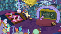 Twilight teaching her friendship students S8E22